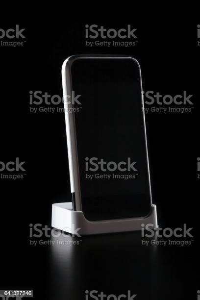 Phone standing on black background picture id641327246?b=1&k=6&m=641327246&s=612x612&h=r5cbxargxjhc ahs49qbhxx56vdjarsmcil2okqlumu=