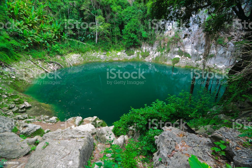 Pântano de PhooKeaw na província de LamPang, Tailândia - foto de acervo