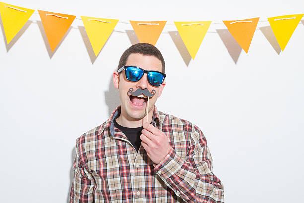photo booth party - schnurrbart fotoautomaten stock-fotos und bilder