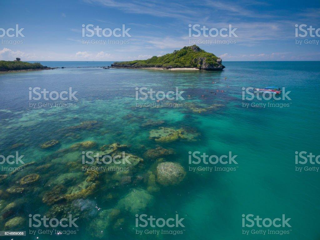ドローンの飛ぶ海浅瀬珊瑚島 Jaa...