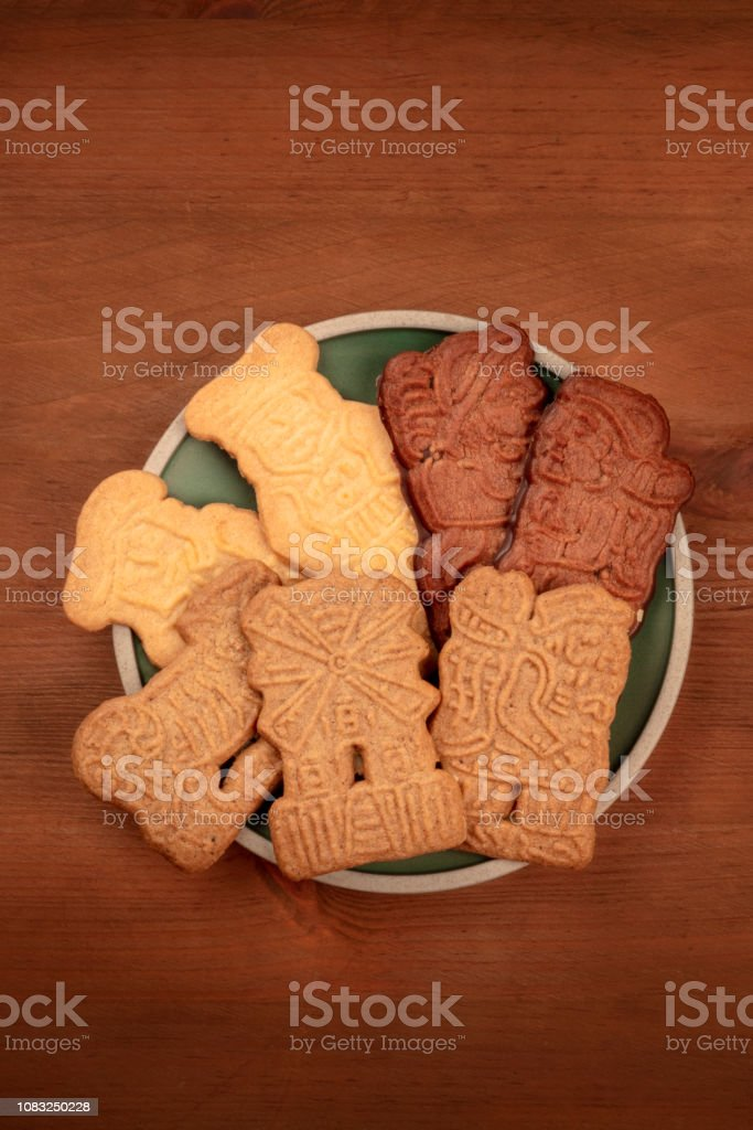 A Photo Of An Assortment Of Traditional German Christmas Spekulatius