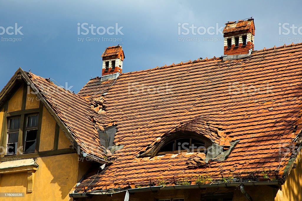 Le toit Endommagé - Photo