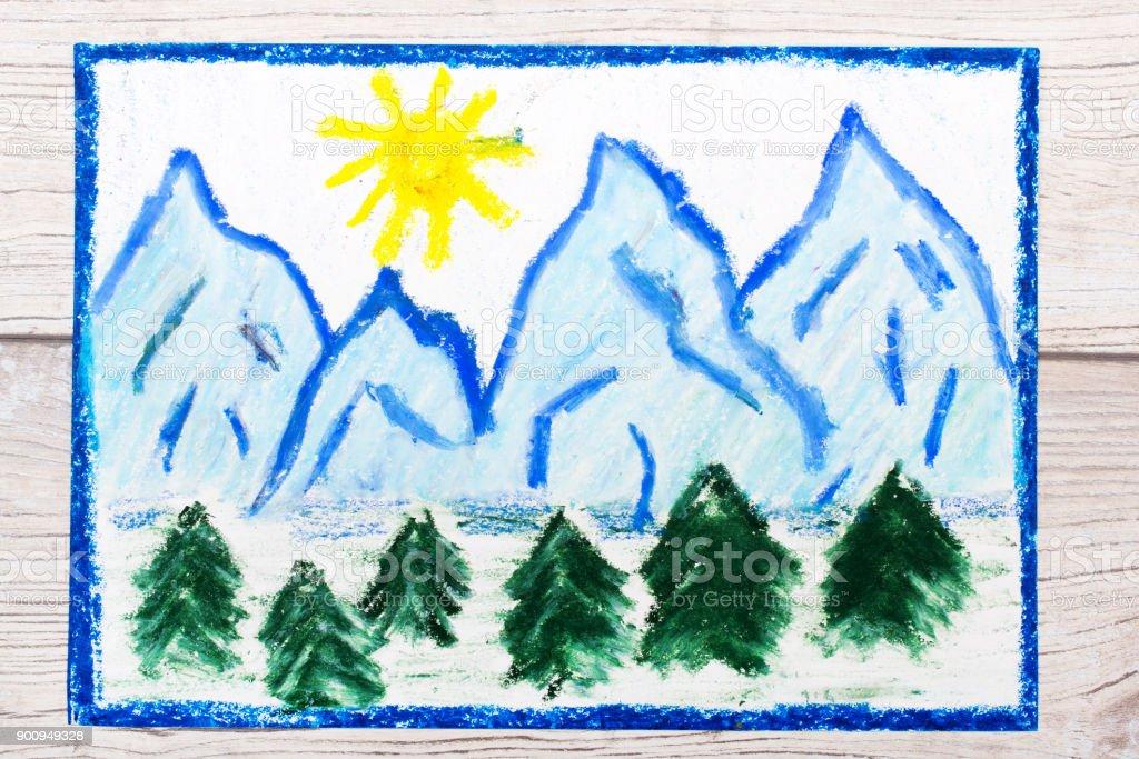 Foto De Foto De Desenho Colorido Paisagem De Montanhas Cobertas De