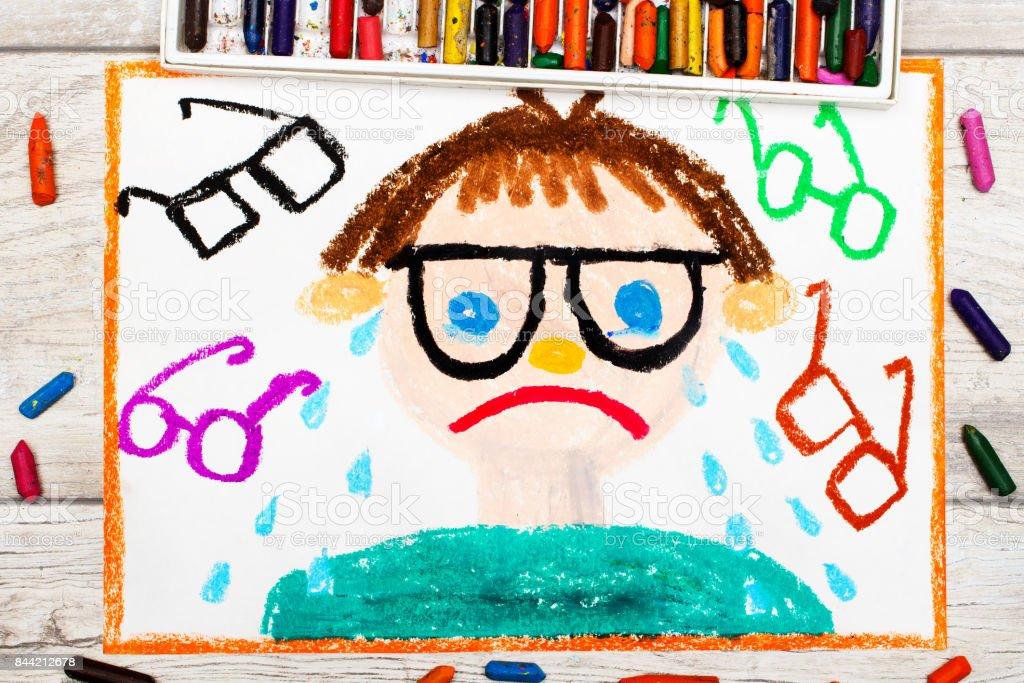 Foto De Dibujo Colorido Niño Triste Y Llorando Con Sus Pastos
