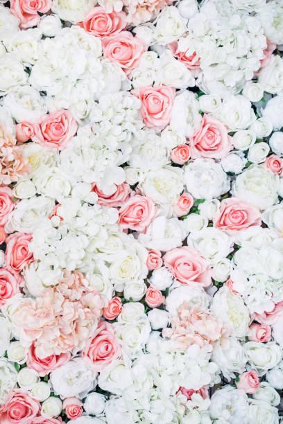 foto von floralen wand - hochzeitsblumensträuße stock-fotos und bilder