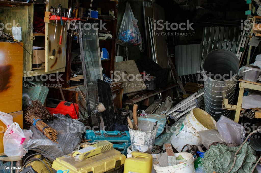 photo of mess in the house while repairing