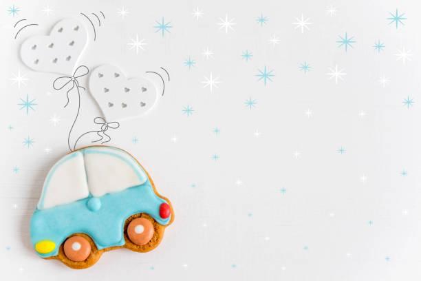 foto des autos fliegen ballons. grußkarte für neugeborene kinder. kinder-banner. formular für text. hintergrund für die baby-banner und grußkarte - sterntaufe stock-fotos und bilder