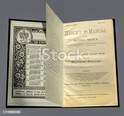 815359538 istock photo Photo of the front pages of the first edition of Merck's medical guide manual, published in New York in 1899 1219968330