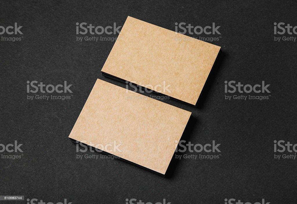 Foto Von Zwei Stapel Von Leere Visitenkarten Auf Handwerk Stockfoto Und Mehr Bilder Von Einzelner Gegenstand