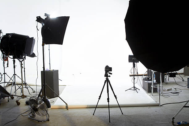 photo shooting studio - camera photographic equipment stock photos and pictures