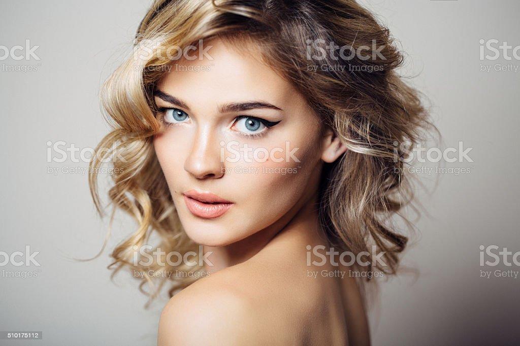 Brunette Pussy Closeup
