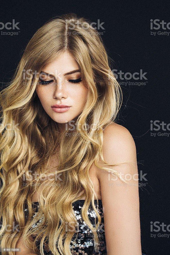 Foto tomada de mulher jovem belo - foto de acervo