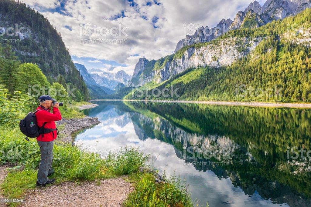 Fotograf am Gosausee mit Dachstein-Blick - Alpen – Foto