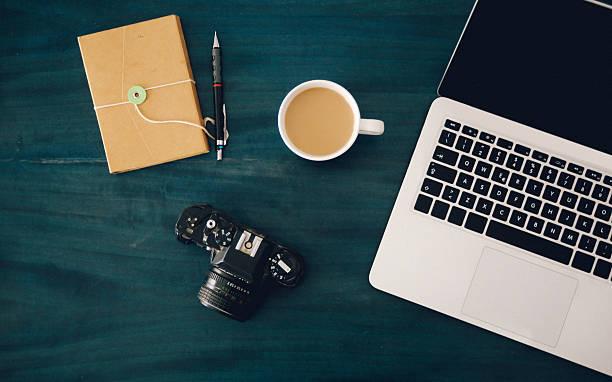 fotograf oder designer arbeitsbereich - tastatur bilder stock-fotos und bilder