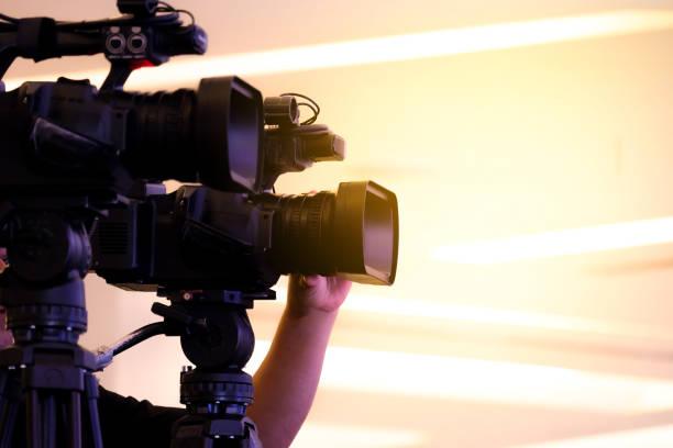 fotograf-videoaufzeichnung-aktivität im rahmen der veranstaltung - dokumentation stock-fotos und bilder