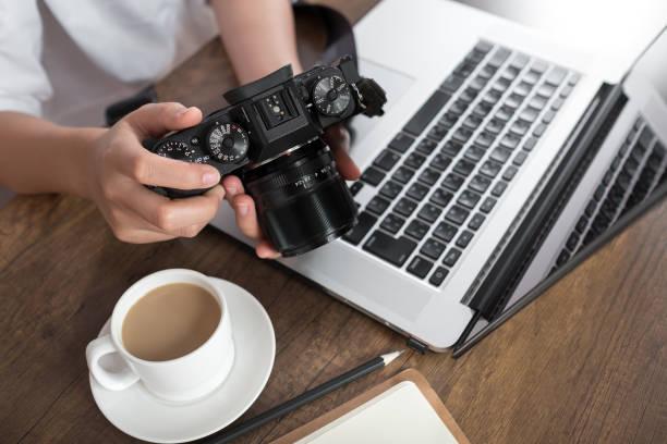 photographer workplace - tastatur bilder stock-fotos und bilder