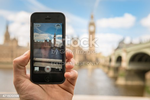 599114758 istock photo photographing the Big Ben tower with iphone 5 471520209