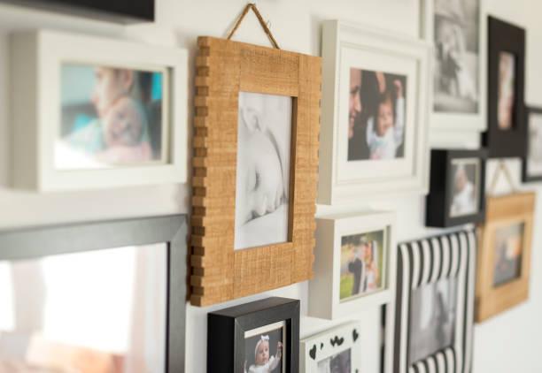 在各種相框中的家庭照片 - 摄影 個照片及圖片檔