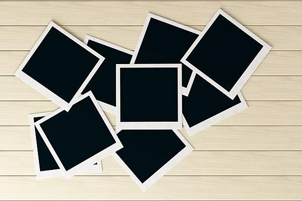 Fotos auf weiß Tisch mit Textfreiraum – Foto