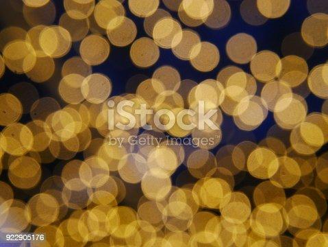 621116812 istock photo Photos  Yellow Defocused Light Background For Christmas 922905176