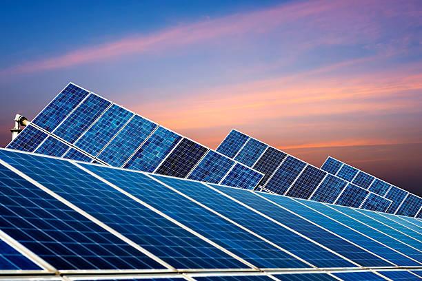 photovoltaic zellen - mondlandefähre stock-fotos und bilder