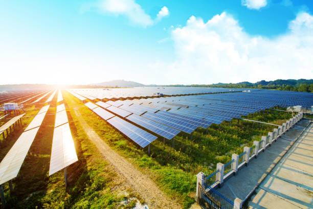 solceller för produktion av förnybar elektrisk, navarra, aragonien, spanien. - spain solar bildbanksfoton och bilder