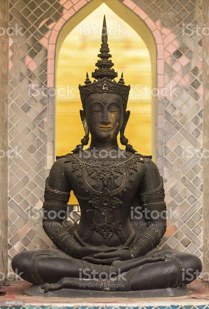 phra maha jakkraphat Statue in ancient temple stock photo
