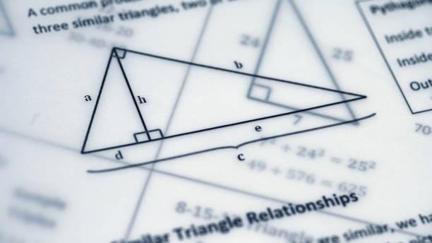 fórmulas de físicas, gráficos y cálculos científicos en documento - geometría fotografías e imágenes de stock