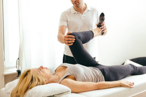 physical rehab - chiropractic care stock photos and pictures