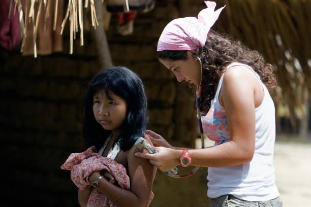 Arzt die humanitäre Hilfe in entlegenen Regionen – Foto