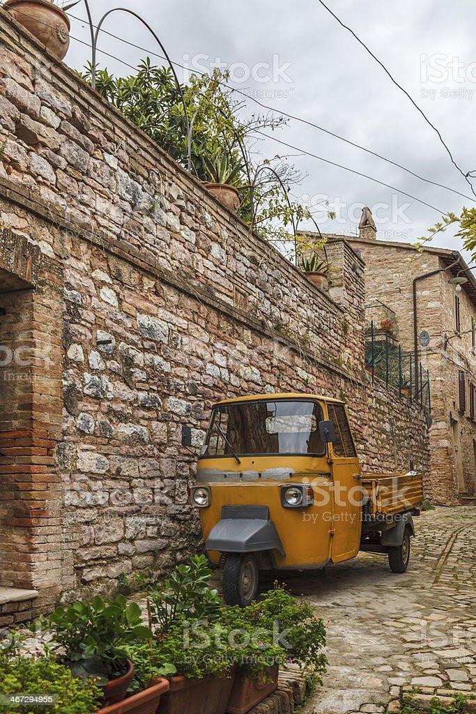 Piaggio Ape a Spello, Italia - foto stock