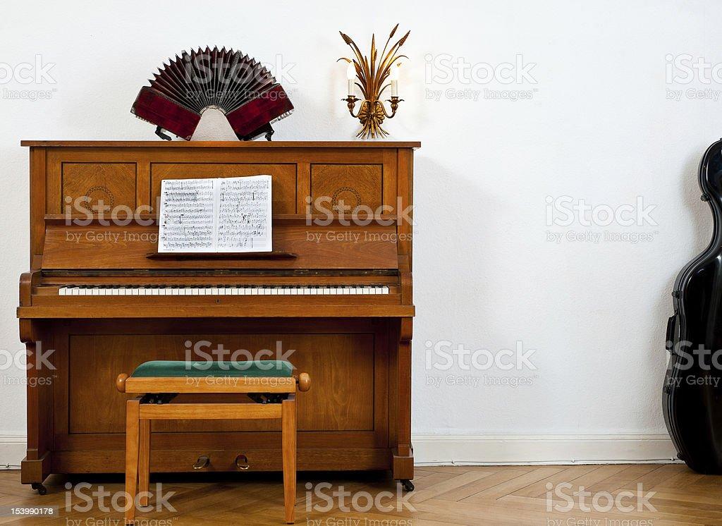 Piano, bandoneon y chello - foto de stock