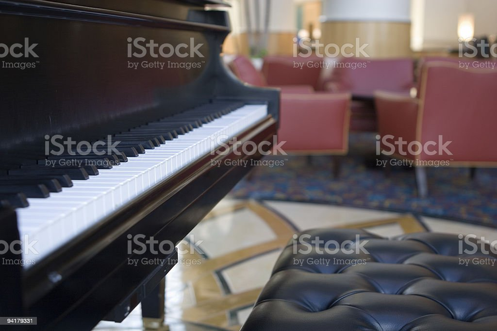 Piano Bar Foto de stock y más banco de imágenes de Color - Tipo de
