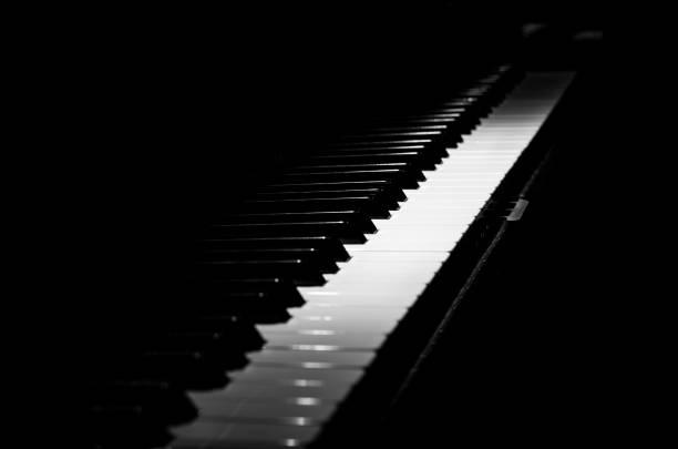 piano horizontal black and white diagonal - Photo