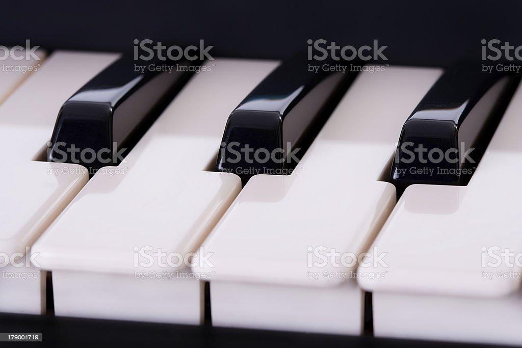 Detalhe de Piano teclado - fotografia de stock