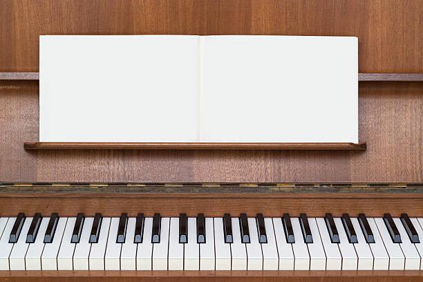piano-musik buchen - piano noten stock-fotos und bilder