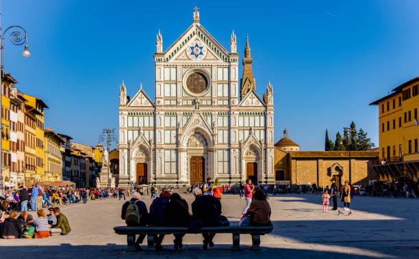 Piazza and basilica of santa croce in florence picture id1149628561?b=1&k=6&m=1149628561&s=612x612&w=0&h=jq82xedlidtqq1eysdjkvjt8hzcq6jhp6sv3woryf w=