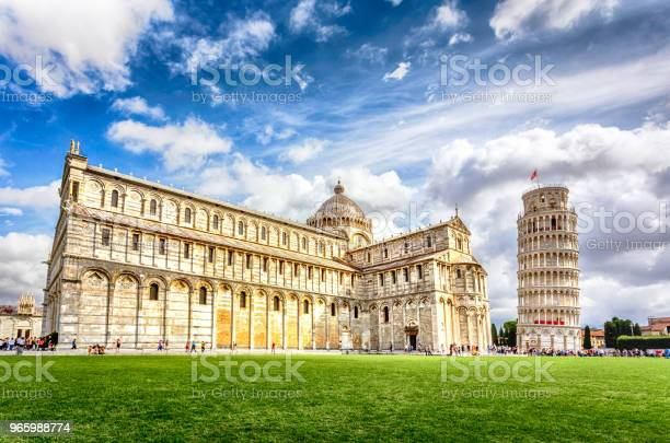 Piazza Dei Miracoli Mit Dem Schiefen Turm Von Pisa Italien Stockfoto und mehr Bilder von Besichtigung