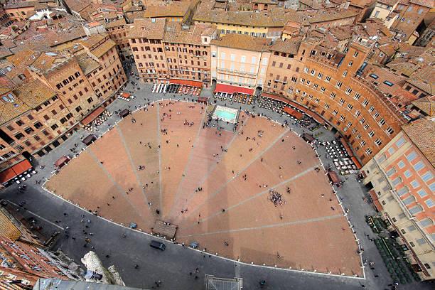 Piazza del Campo in Siena, Italien – Foto