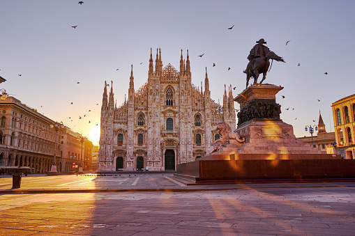 Piazza del Duomo an Cathedral, Milan at sunrise