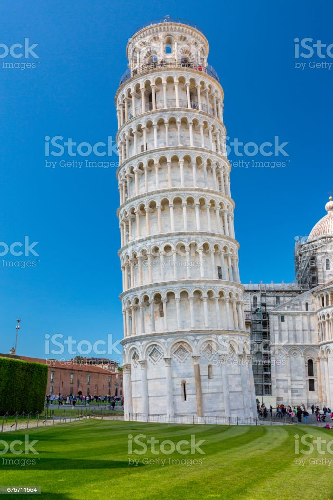Piazza del Duomo with Leaning Tower in Pisa 免版稅 stock photo