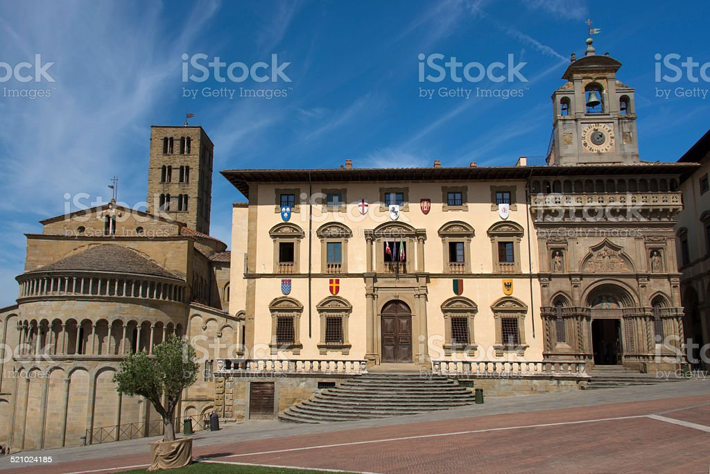 Piazza Grande ad Arezzo arredate per il Palio - foto stock
