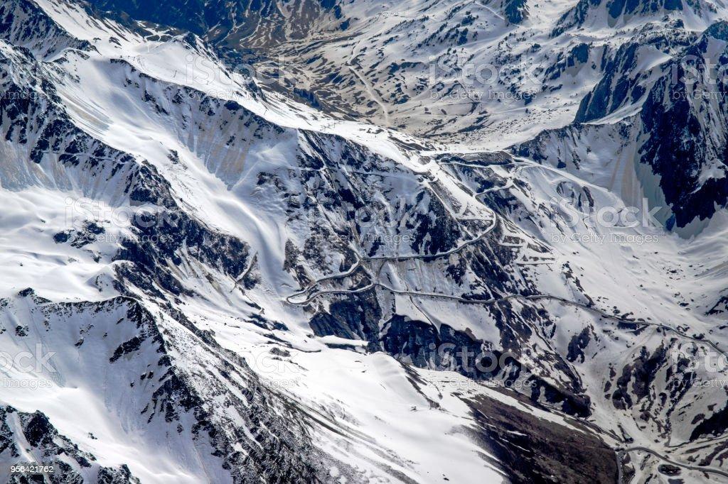 Pic du Midi et pyrénnées vu d'avion stock photo