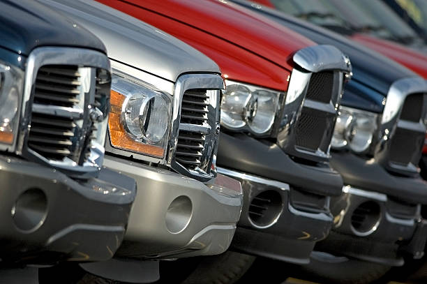 pickup trucks - pikap stok fotoğraflar ve resimler