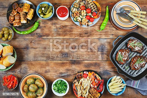 657146780istockphoto Picnic, Memorial Day, American barbecue, barbecue meat, open-air 929629578