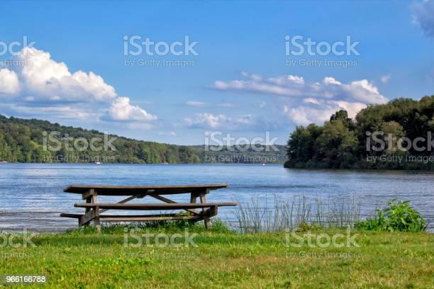 Picknicktisch Stockfoto und mehr Bilder von Baum