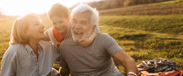 Piquenique com meus avós - foto de acervo