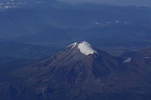Pico de Orizaba volcano in Mexico Pico de Orizaba volcano in Mexico orizaba stock pictures, royalty-free photos & images