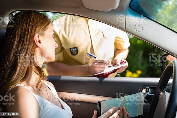 Policía Mujer O Agente De Policía Foto de stock y más banco de imágenes de Adulto