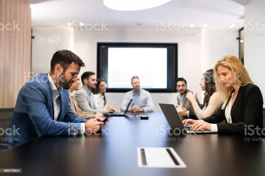 Photo de la réunion d'affaires dans la salle de conférence - Photo de Adulte libre de droits